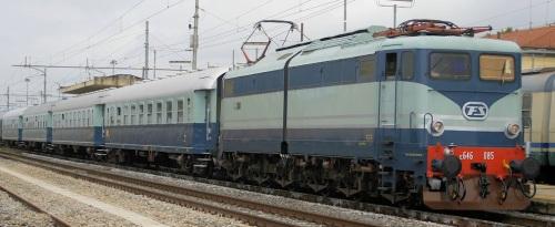 Treno Azzurro a Terontola nel 2010, Foto © E. Imperato da trenomania