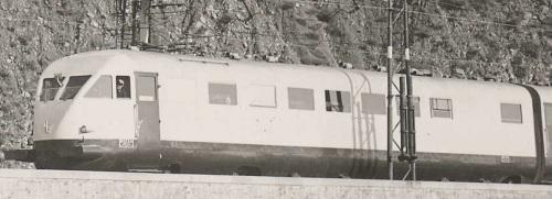 Carrozza 1 (B) - lato con 9 finestrini