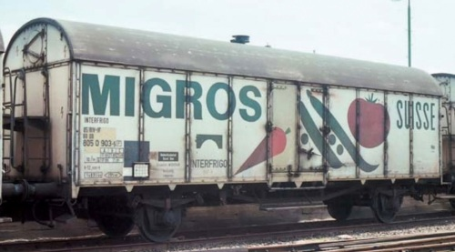"""Carro Ibs della Migros a Bremerhaven il 13 luglio 1982 - lato """"Verdura"""", da Märklin Insider"""