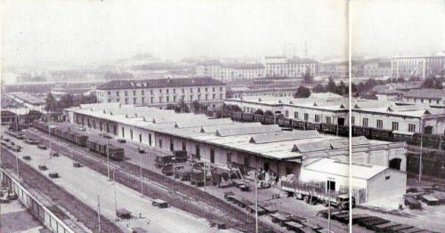 Milano Porta Vittoria prima del 1960, da Le Vie d'Italia del TCI del luglio 1960 pag 924-92 (tratto dal forum di www.ferrovie.it/)