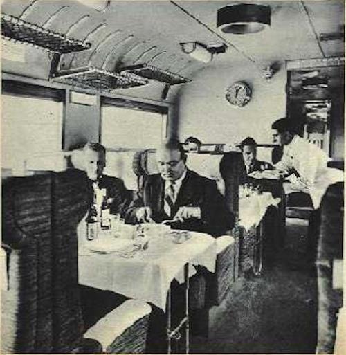 Pranzo a bordo dell'ETR200 prima serie