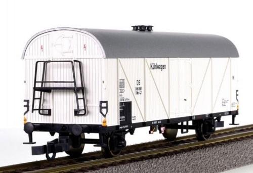 Modello ROCO in H0 del carro Tehs delle DB.