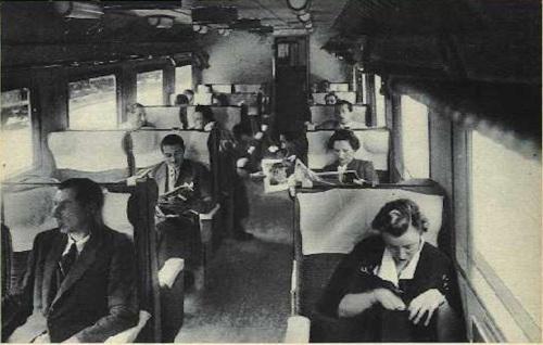 Scena di viaggio a bordo dell'ETR.200 prima serie