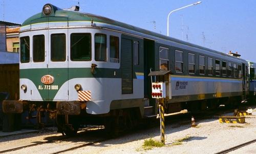 FP ALn773-1008 nel 1996 a Ferrara. Foto © Franco Pepe da https://littorina.net/