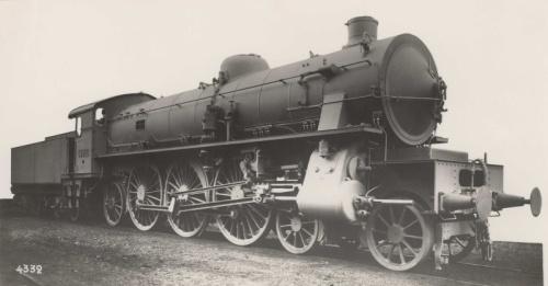 FS Gr.690 con la pompa Westinghouse sulla fiancata destra, Foto FS