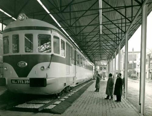 La ALn.773.3501 alla Fiera di Milano del 1957, dal sito Ass. cult. Lombardia