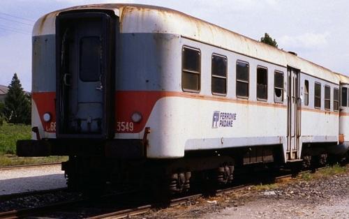 Ln.664.3549 accantonata, con logo Ferrovie Padane. Foto © Franco Pepe da littorina.net