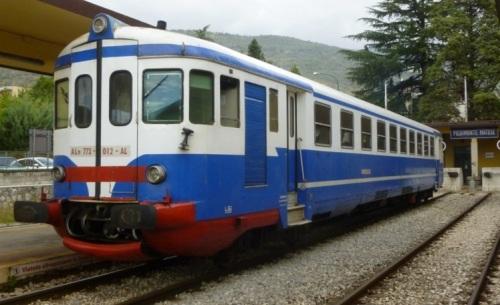 ALn 773.012 AL nel 2014, con fascia antiinfortunistica frontale - Foto © Ubaldo Fangucci da http://www.trainsimhobby.net