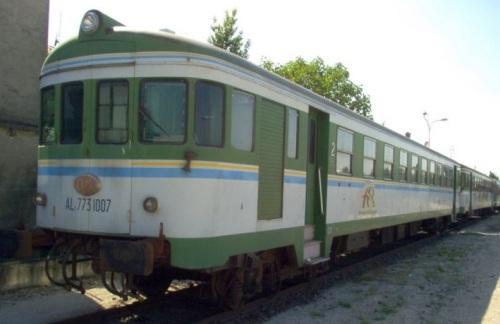 ALn 773.1007 con logo FER a Ferrara nel 2005 - Foto © album@amicitreni.com da trenomania