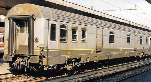 Bagagliaio Zeta 1988 - 61 83 95-90 120-9 D Foto © Raffaele Bonaca da trenomania - Roma 1994