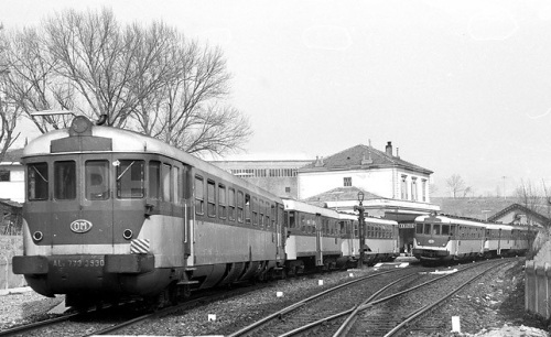 Due triple ALn.773+Ln.664 ad Aosta nel 1982, Foto © Roberto Cocchi da photorail.com