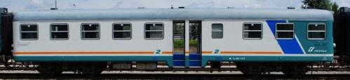 Ln.664.1419,a lato ritirata, a Faenza nel 2010 in livrea XMPR. Foto © LorenzoSTP da trenomania