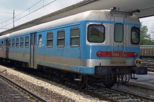 Ln 664.028 ER nel 2005, foto © bartolomeo Sanmarco da trenomania