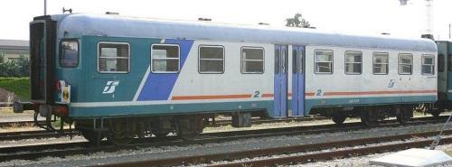 Ln.664.1420, lato cabina di guida, in livrea XMPR a Faenza. Foto © Ernesto Imperato da trenomania