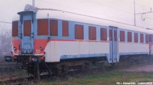Ln664.3523 accantonato a Somma Lombarda per la demolizione, 1994 - Foto © Raffaele Bonaca da trenomania