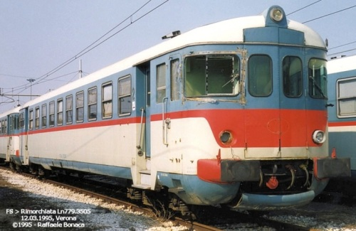 Ln.779.3505 a Verona nel 1995. Esempio di rimorchiata rimasta con il frontale originale. Foto © Rafafele Bonaca da trenomania