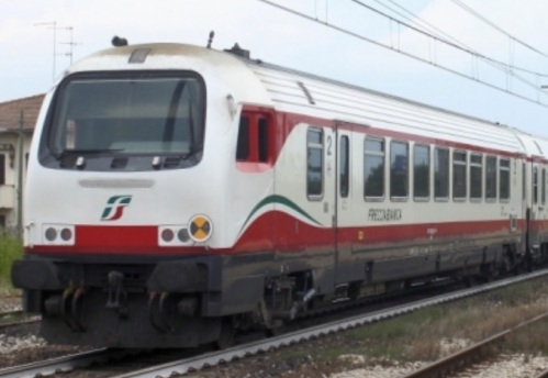 npB 61 83 80-90 022-4 -Foto © Luca Bergamini da trenomania