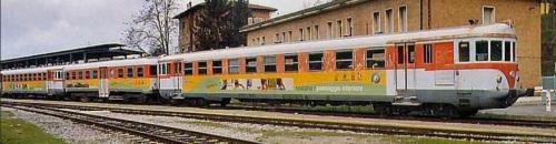 Convoglio in livrea Trenonatura nel 2004 a Siena - Foto © E.Imperato da Trenomania