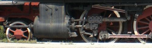 Dettaglio del cilindro e del biellismo della 940, da una foto di bang79 su flickr
