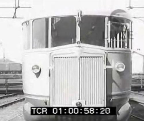 Frontale della ALb48 prototipo, da un filmato Luce