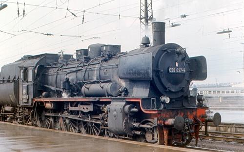 DB 038 637 nel 1970, con parafumo ad alette laterali - Foto CC Roger W. da flickr