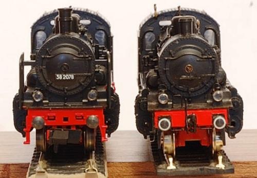 Vista frontale della la Gr.675 di Fabrizio Mazziero (a destra) e a sinistra la Br 38 da cui deriva