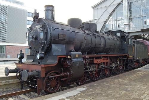 La P8 n.2455 a Lipsia. Un solo duomo e sabbiera, senza parafumo e campana, preriscaldatore e pompe sul lato destro (non visibile) Foto Rabensteiner da wikipedia.
