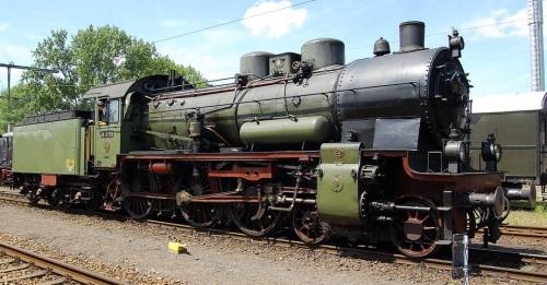 Una P8 con due duomi e sabbiera, senza parafumo con campana, preriscaldatore e pompe sul lato destro. Foto Rabensteiner da wikipedia.