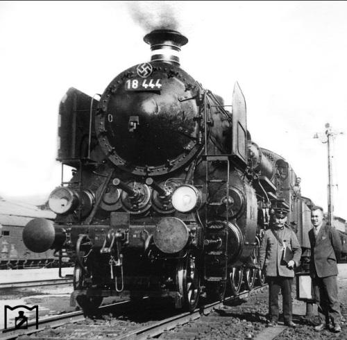 DRG 18 444, ex Bayerische S 3/6 a 4 cilindri - foto tratta da marklinfan, originale da eisenbahnstiftung.de